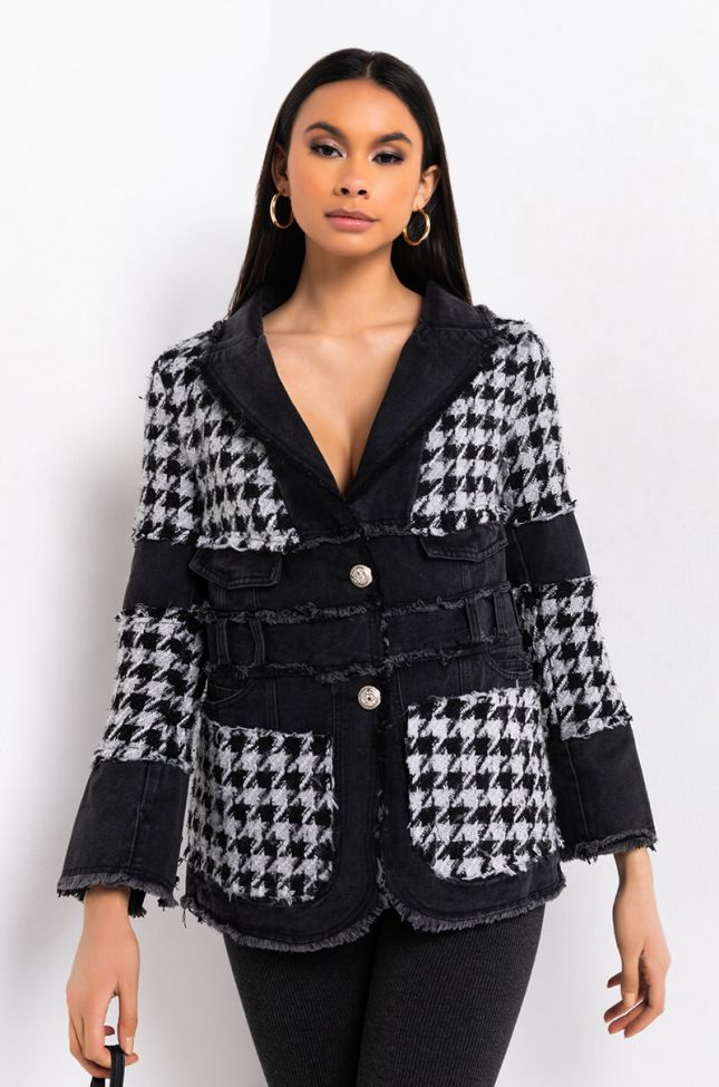 Side View Just Gimme The Light Houndstooth Puffer Coat in Black White
