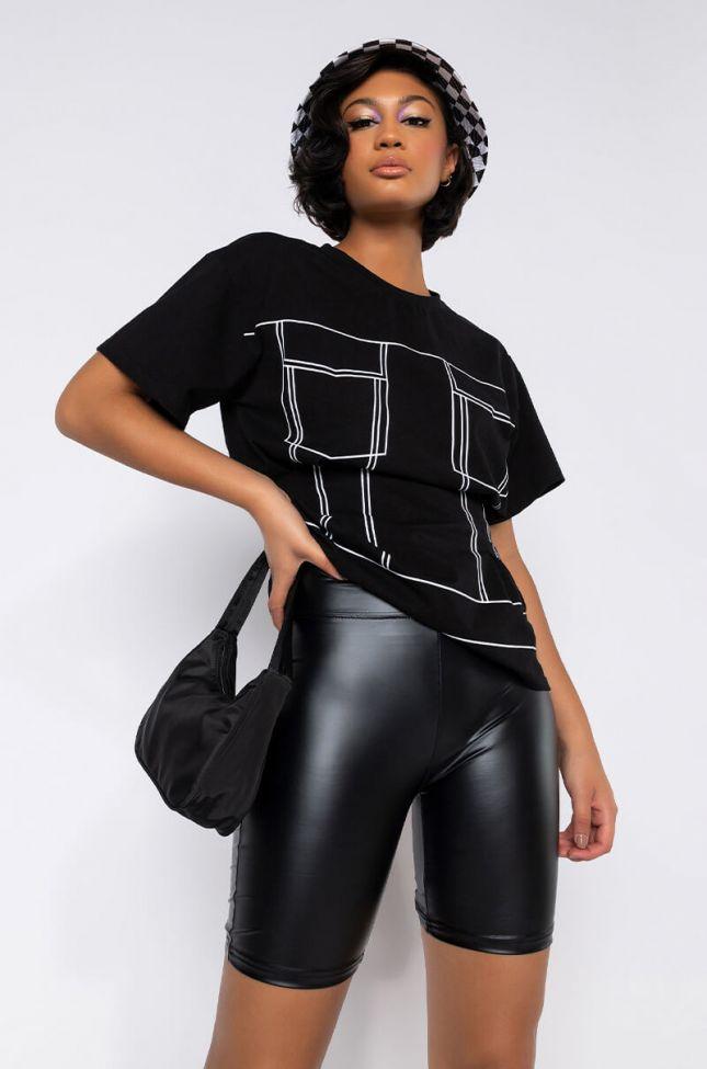 Front View Kamilla T-shirt in Black Multi