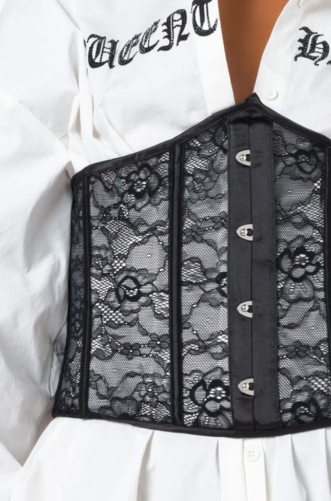 LIVE IN LACE CORSET