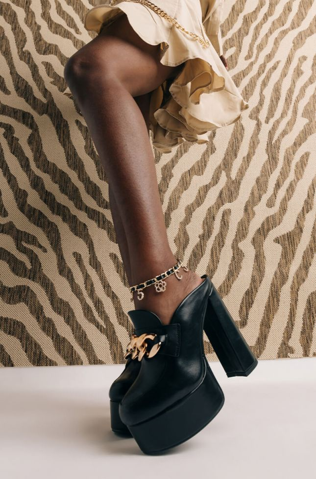Front View Mademoiselle Anklet in Black Gold