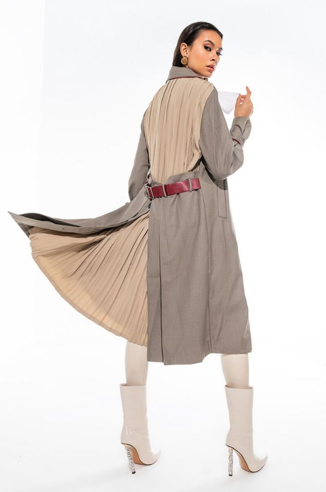 Extra View Mademoiselle Pleated Trench