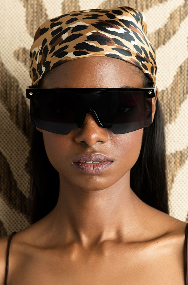 Front View Miami Summer Sunnies in Black