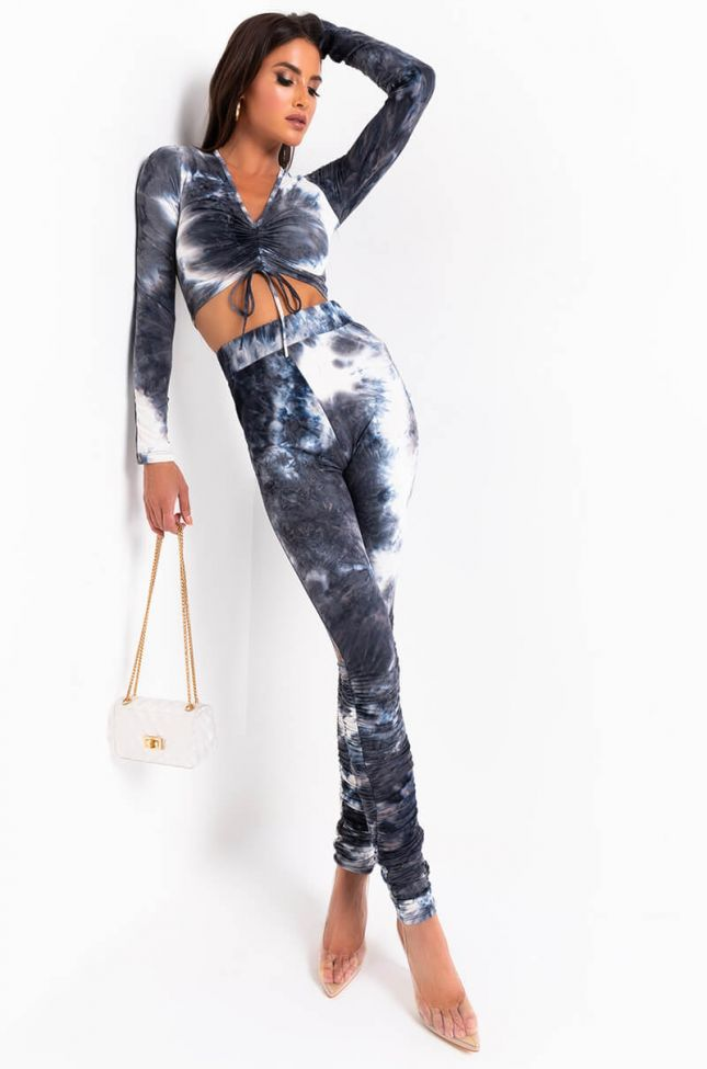 Full View Miss Thang Tie Dye Stacked Legging in Blue Multi