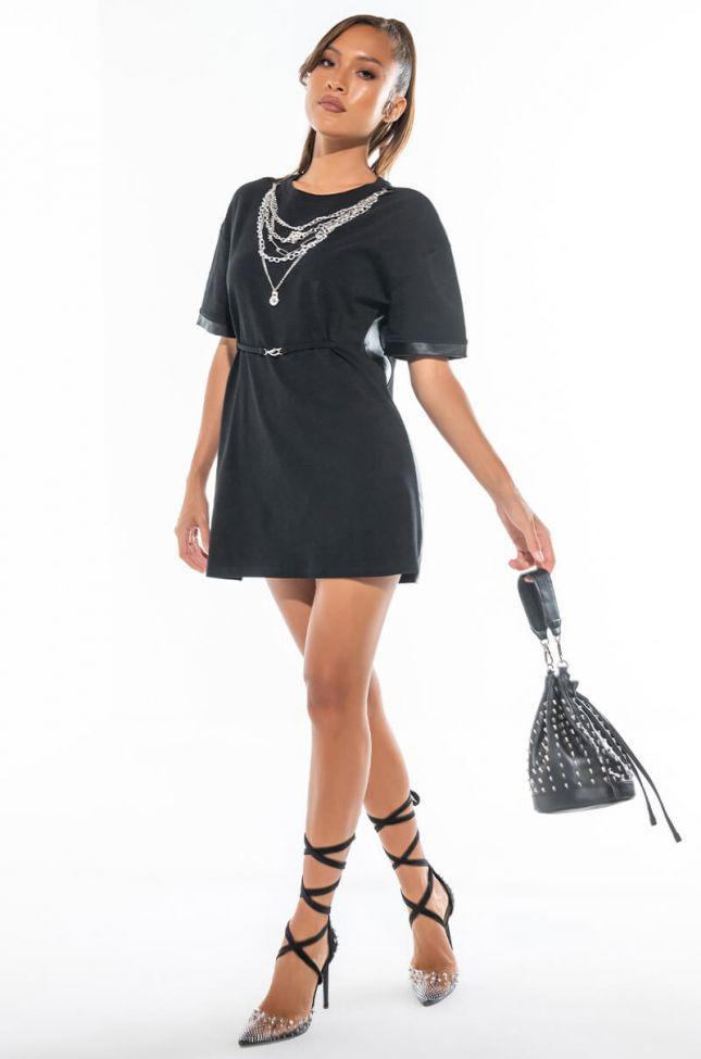 NECKLACE DETAIL TSHIRT DRESS