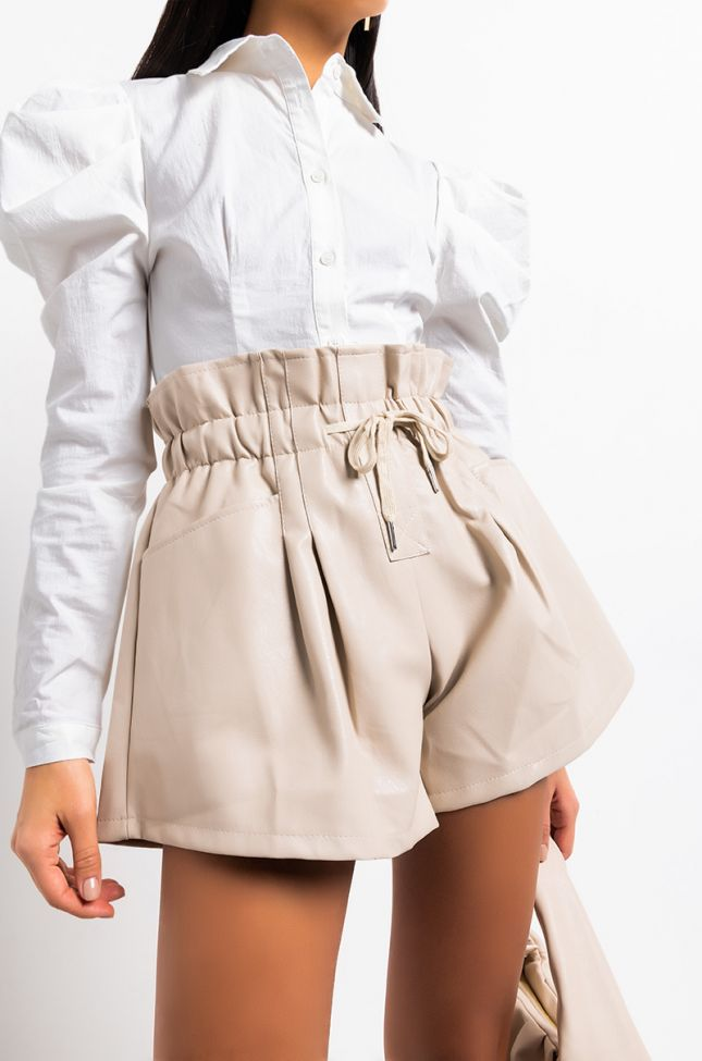 Full View Omw Paperbag Shorts in Ivory