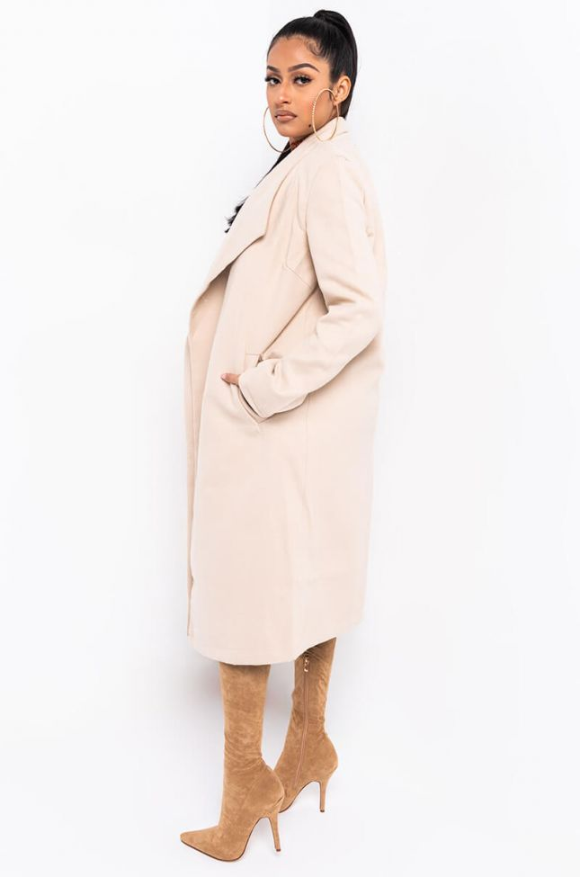 Side View Parisian Nights Stretch Classic Trench in Light Taupe