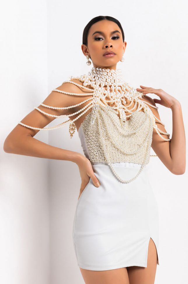 Back View Pearl Collared Layered Necklace