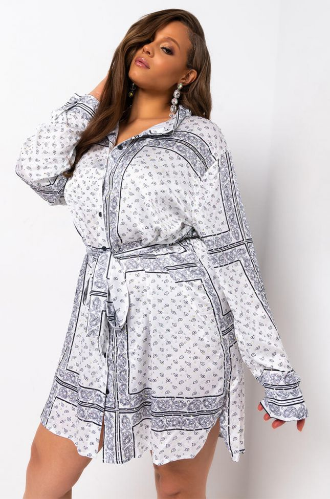 Front View Plus Gone With The Wind Long Sleeve Bandana Printed Mini Dress in White