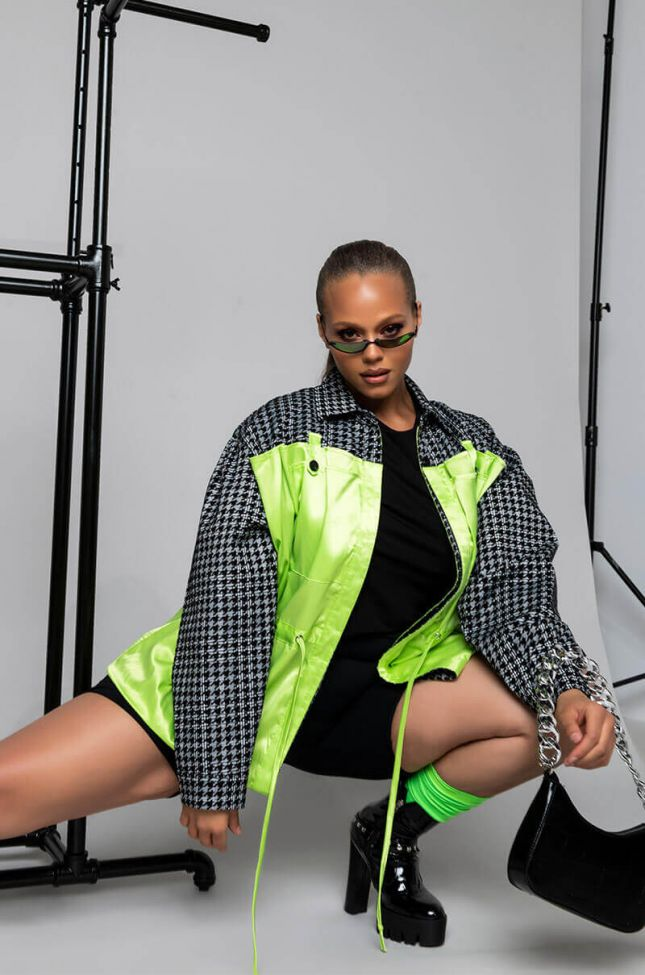 Plus Shea Houndstooth Detail Satin Jacket in Green Multi