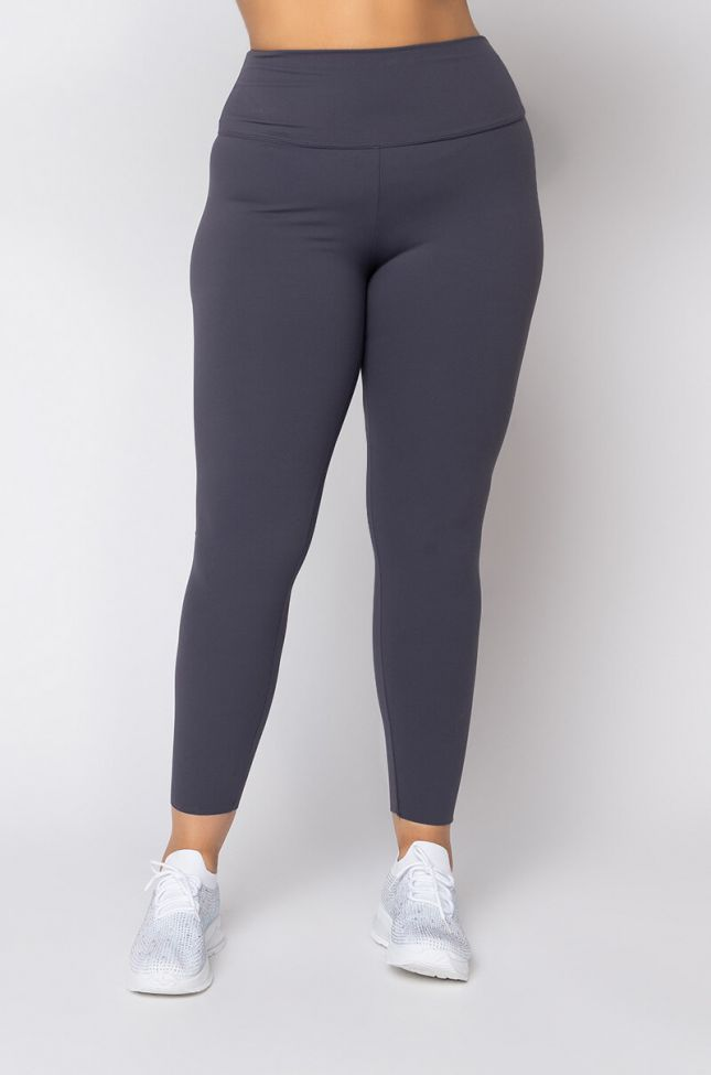 Front View Plus Size Snatched High Rise Legging in Black