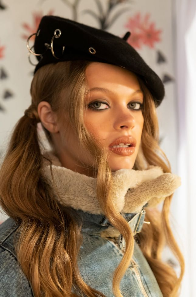 Front View Ring Beret