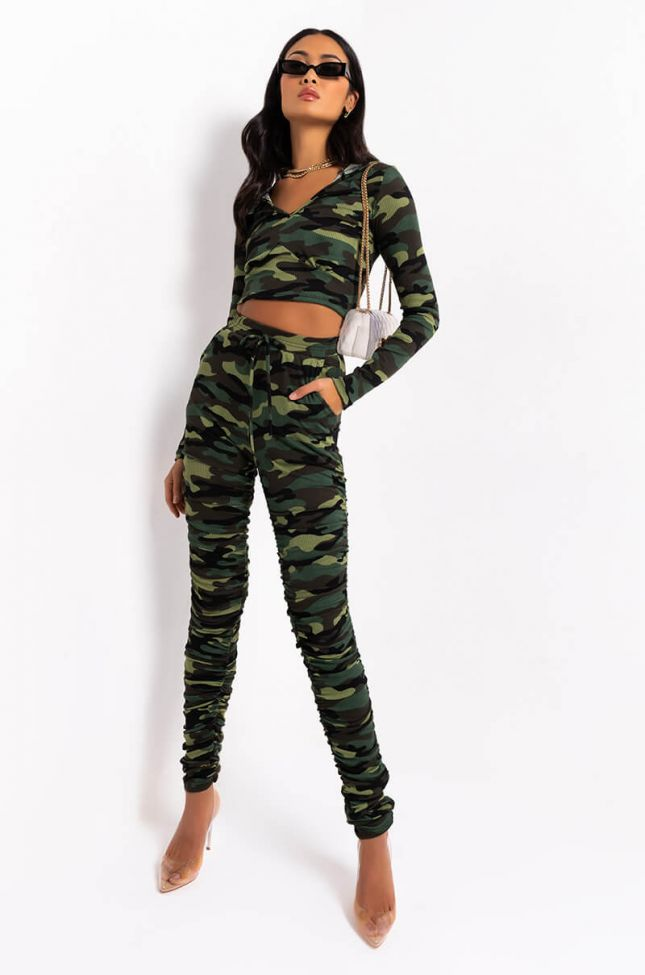 Full View Rough Ridin Stacked Camo French Terry Pant in Green Camo