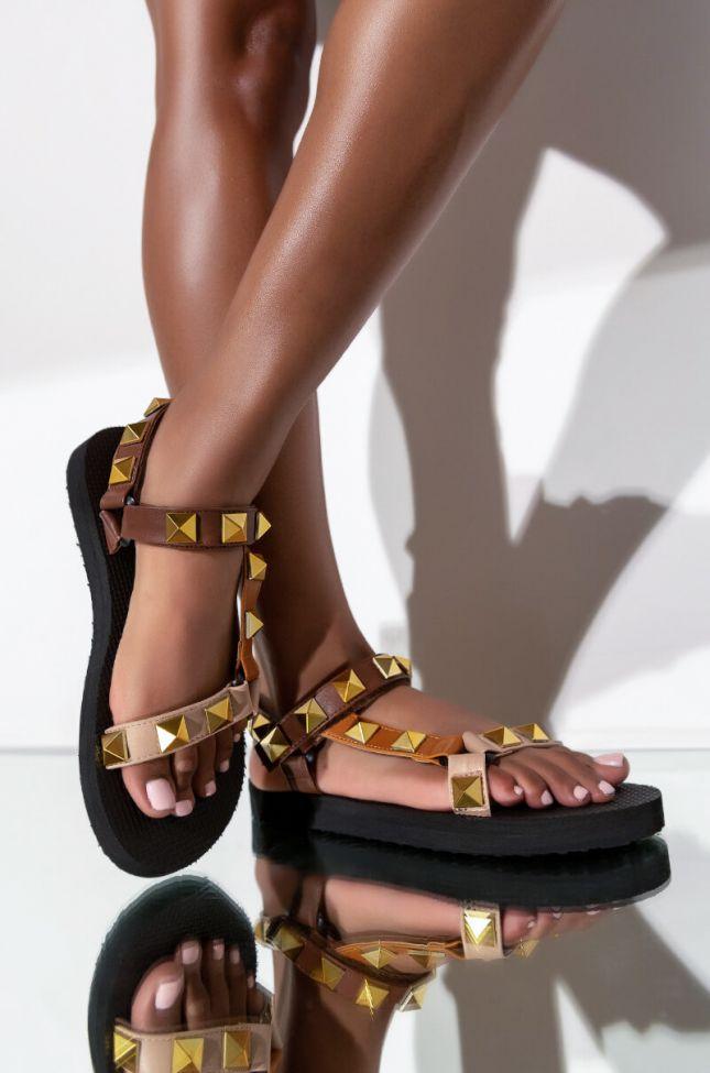 Front View Short Notice Flatform Sandal