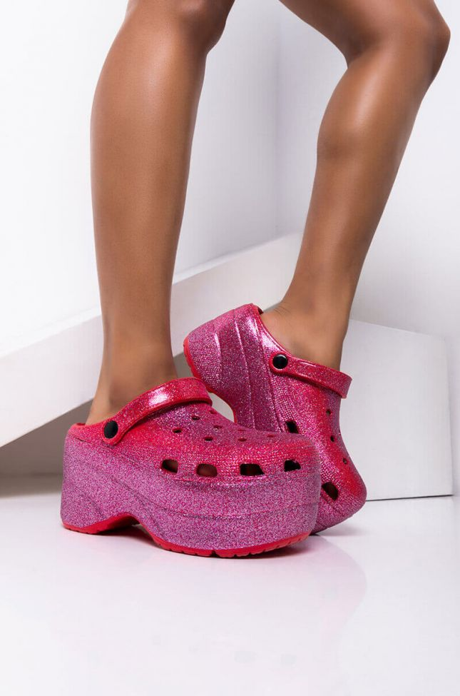 Front View Shower Me In Glitter Flatform Sandal In Red Multi in Red Multi