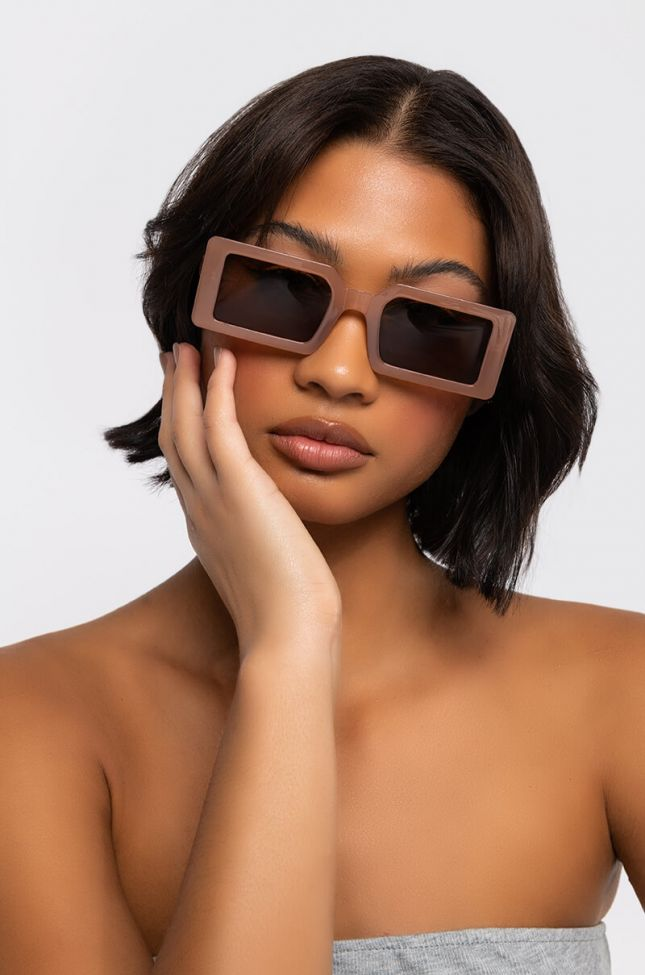 Front View Side Eye Rectangle Sunnies in Taupe