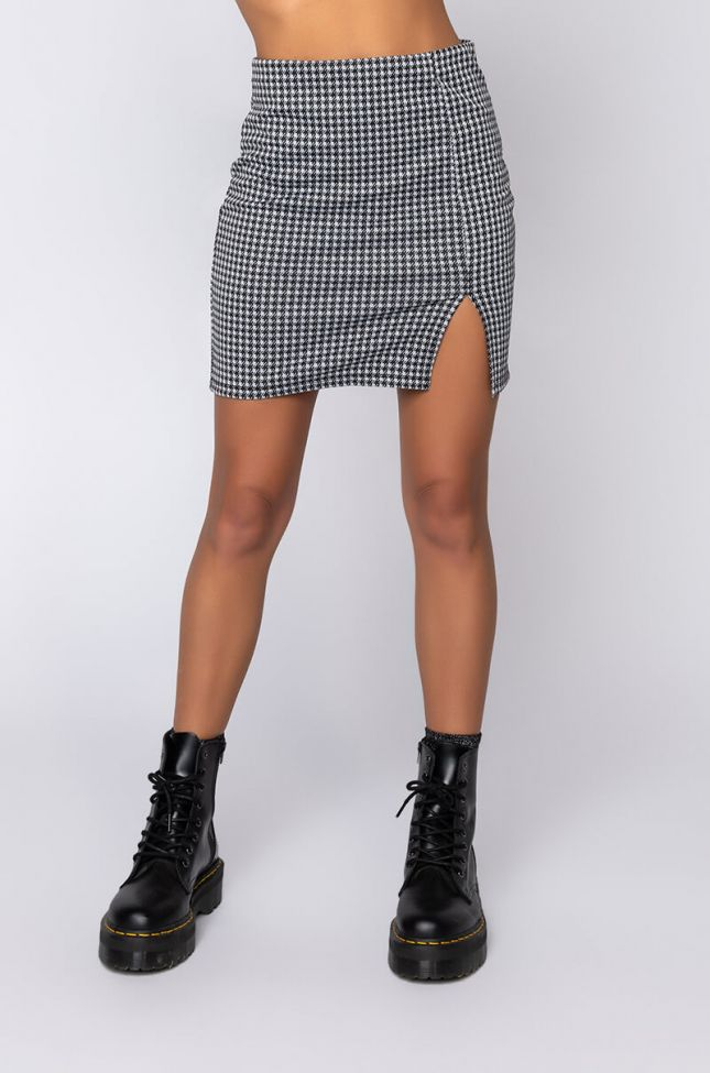 Front View Simply A Lady Mini Skirt With Slit in Black White