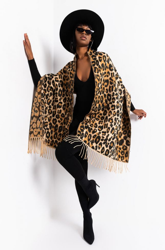 Detail View Soft Side Knit Cheetah Scarf in Brown Leopard