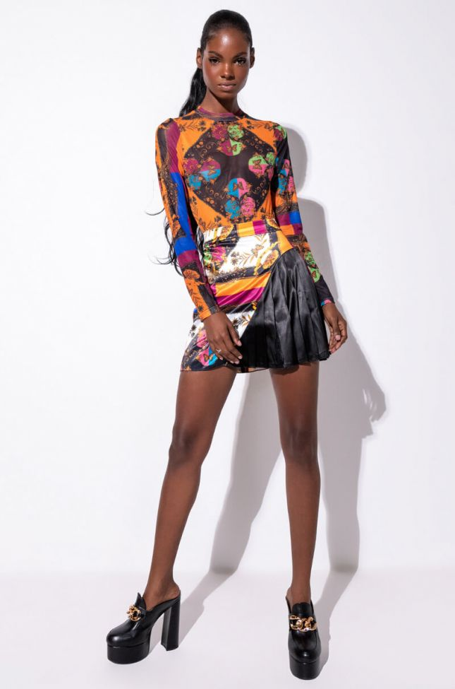 Extra View Talk To Me Pleated Mini Skirt