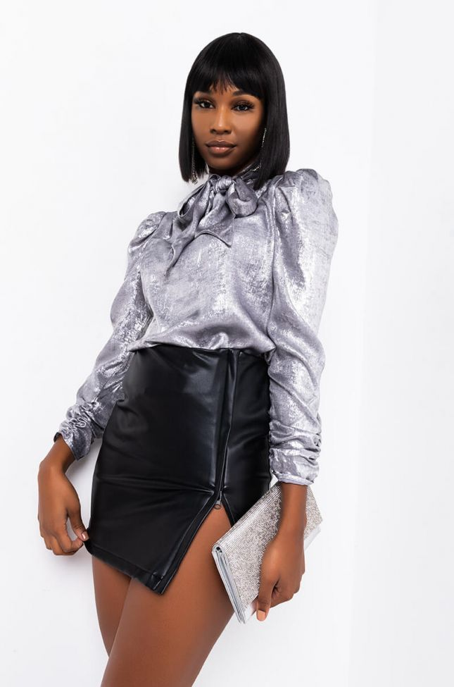 THEY CALL ME THE QUEEN TIE NECK PUFF SLEEVE BLOUSE