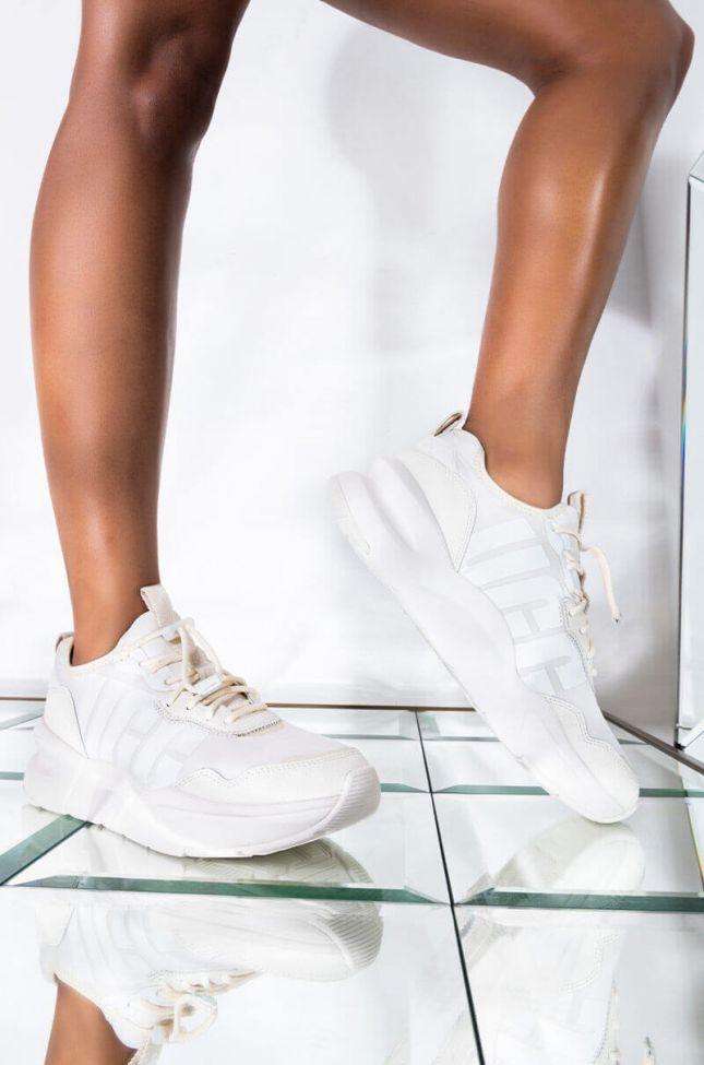 Front View Ugg La Daze Sneaker in Jasmine White