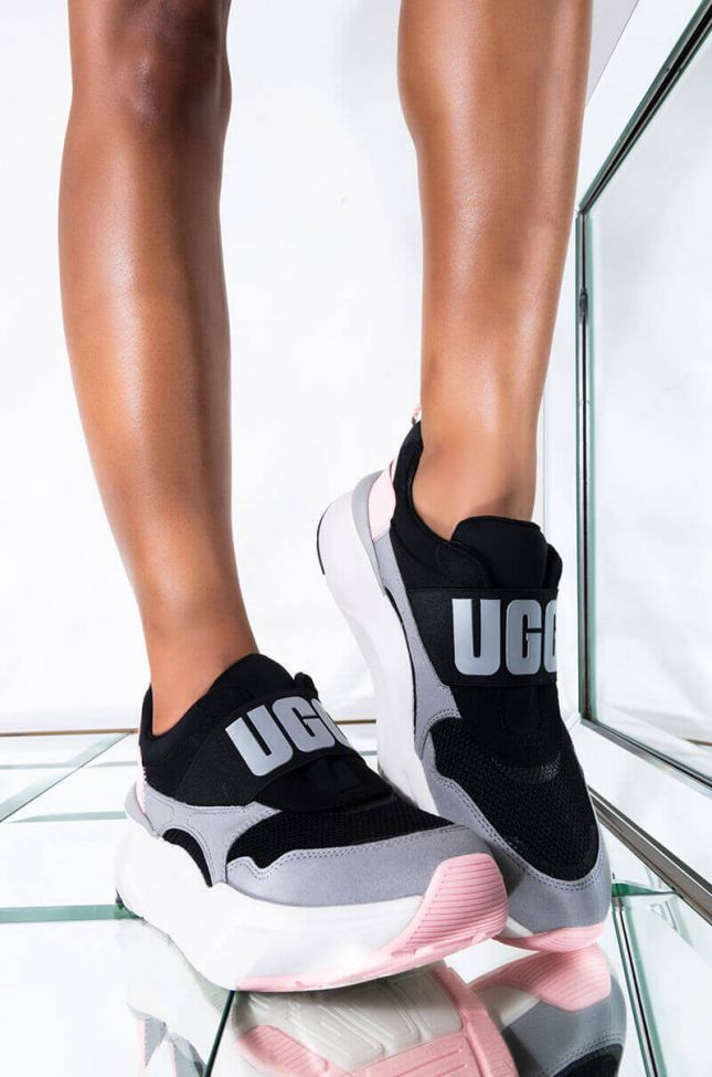 Front View Ugg La Flex Sneaker in Scallop Gradient