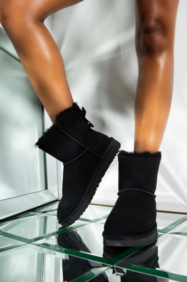 Front View Ugg Mini Bailey Bow Ii in Black