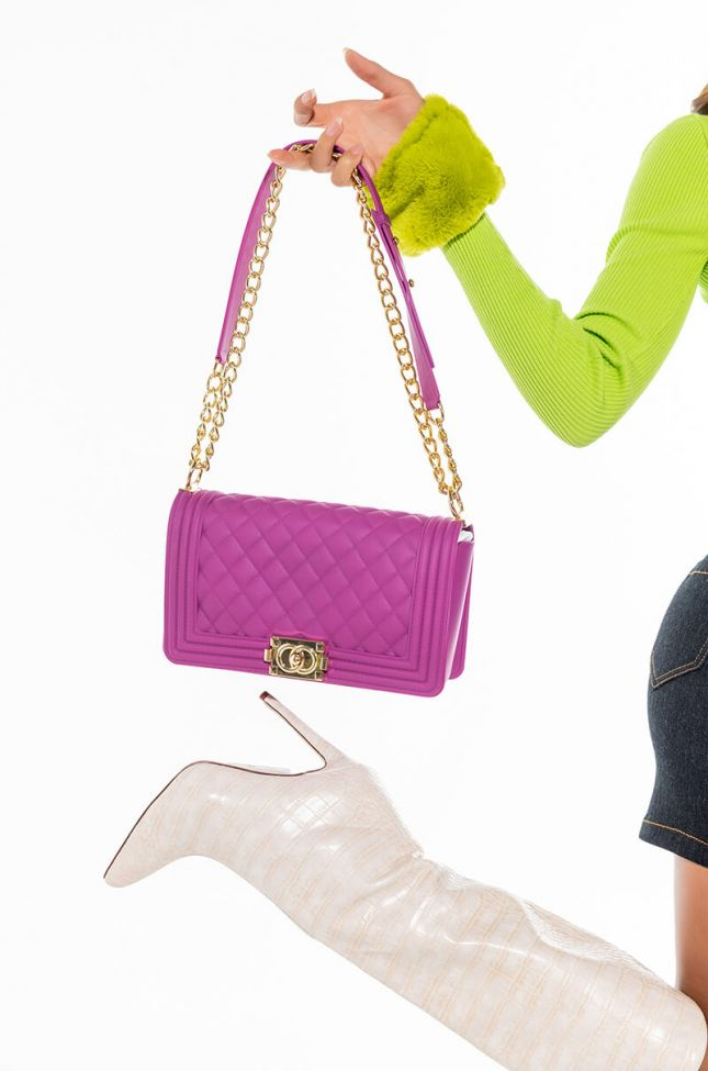 VIBRANT MATTE QUILTED LARGE RUBBER PURSE