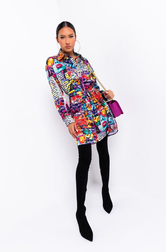 Full View Walking Art Long Sleeve Button Up Collared Dress in Multi