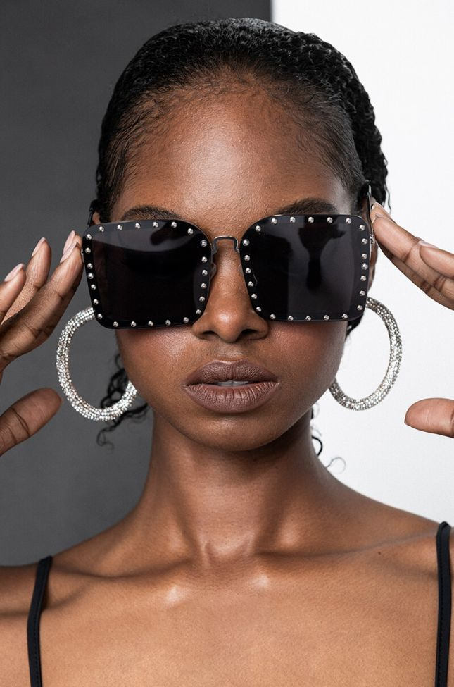 Front View War In My Mind Studded Sunnies in Black