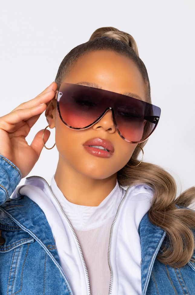 Front View Whats Poppin Oversized Sunnies in Pink Multi