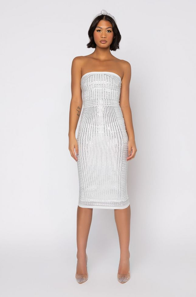 Front View With The Curves Midi Tube Dress in White