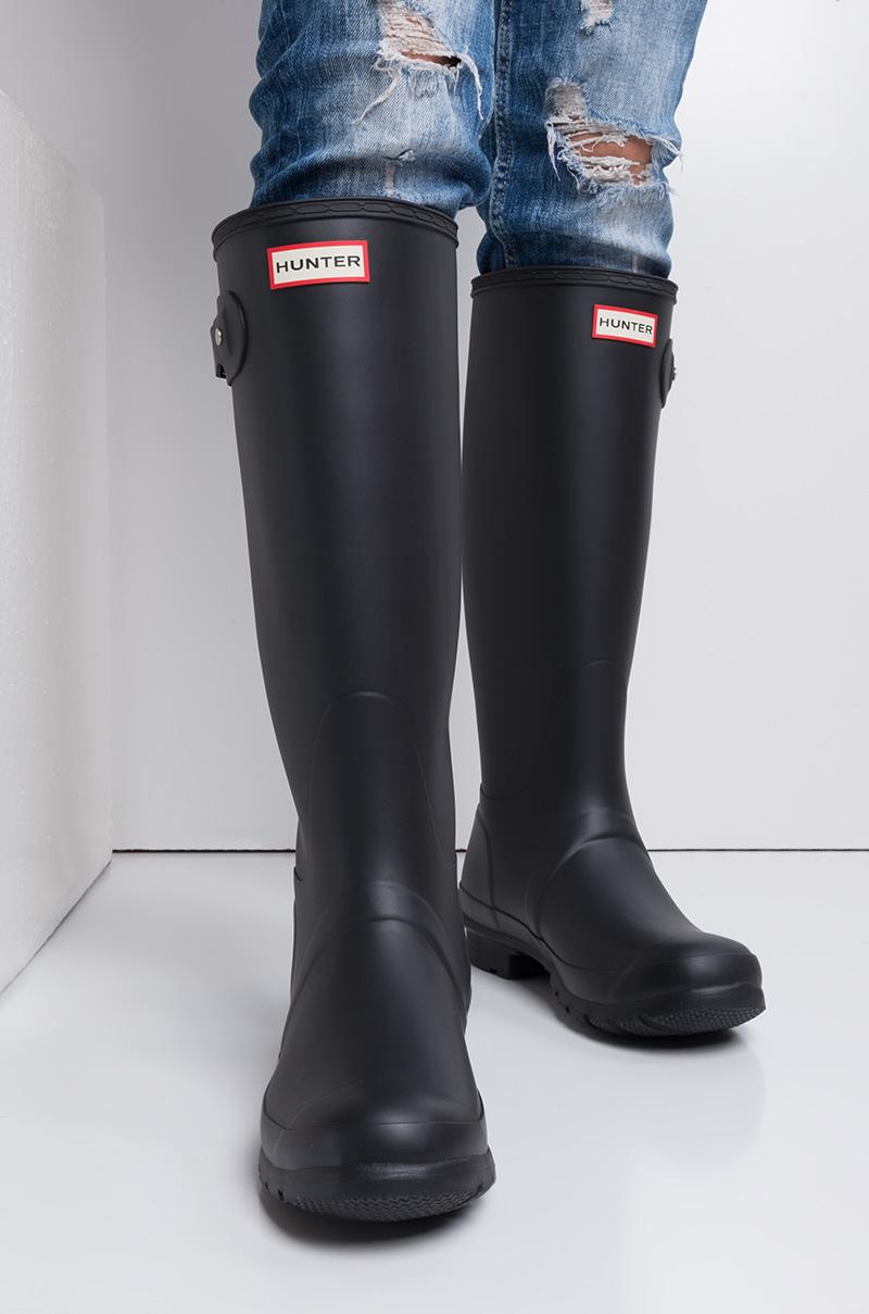 e13ffcaeb53 Hunter Tall Original Matte Waterproof Rainboots in Black Matte and Ocean