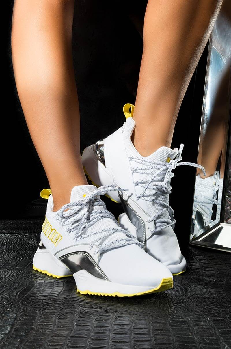 PUMA Womens Muse Maia Metallic Trainer Sneaker, In Yellow